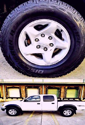 ❗❗Price$14OO 2OO4 Toyota Tacoma 4WD❗❗ for Sale in San Antonio, TX