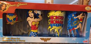 Wonder Woman pint glass 4 piece set collectible for Sale in Houston, TX