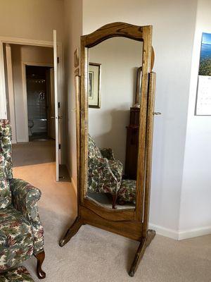 Moms upright mirror! for Sale in Orondo, WA