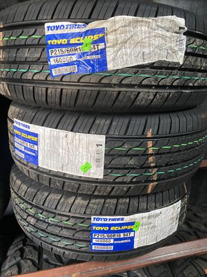 215/60/16 TOYO 65,000 mile tires for Sale in Arlington, TX