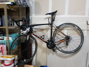 Contend Giant medium road bike for Sale in Daly City, CA