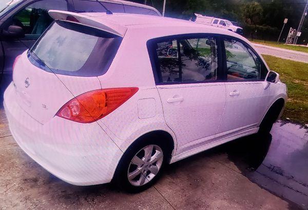 2010 NISSAN VERSA L..X 4 doors (hatchback) ..EXCELLENT CONDITION .. WELL TAKEN CARE OF
