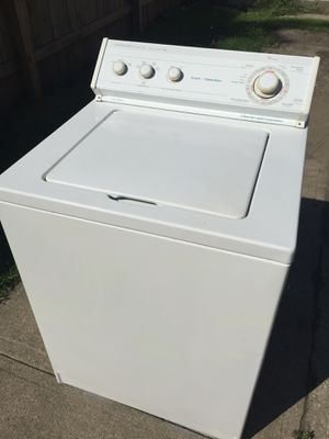 Whirlpool washer $100 must pick it up only today 100 for Sale in Cleveland, OH