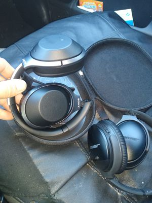 Sony headphones with the cace for Sale in North Highlands, CA