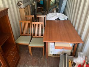 Table and chairs set in Leavenworth for Sale in Kennewick, WA