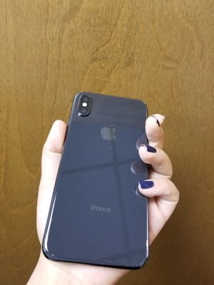 IPhone X 256gb unlocked for Sale in Medford, MA