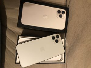 iPhone 11 Pro unlocked 64 gigs *FIRM PRICE* for Sale in Riverside, CA