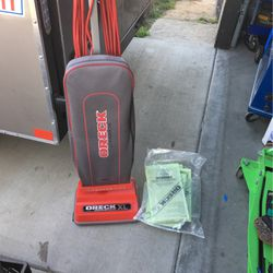 ORECK XL Comercial Vacuum for Sale in Madera,  CA