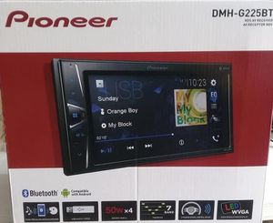 """Pioneer DMHG225BT in-Dash Double-DIN Digital Media AV Receiver with 6.2"""" WVGA Touchscreen Display for Sale in Los Angeles, CA"""