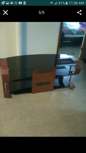 Jual Florence curved tv stand for Sale in Springfield, MA