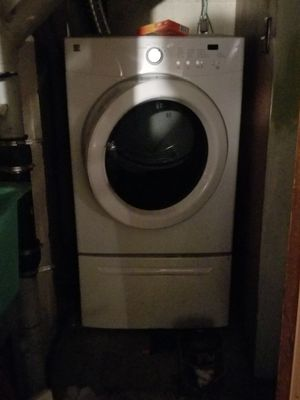 Washer and dryer with bases for Sale in Pittsburgh, PA