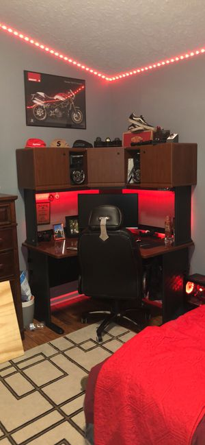 Office Desk for Sale in Twinsburg, OH