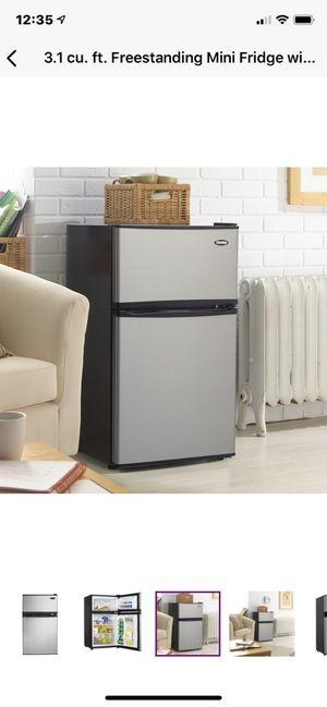 danby 3.1 cu ft fridge/freezer for Sale in Berkley, MI