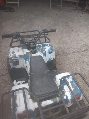 Moto 110cc necesita carburetor y batteria no tiene llave for Sale in Dallas, TX