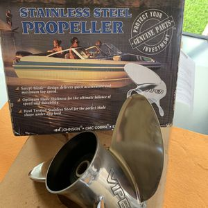 "Viper (14 3/4 x17"") Evinrude Stainless Steel Boat Propeller for Sale in Miami, FL"