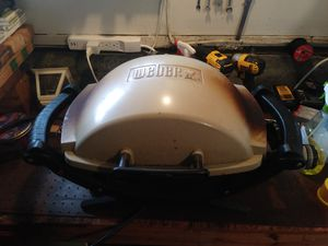 Weber Q 100 Grill BBQ for Sale in Woodway, WA