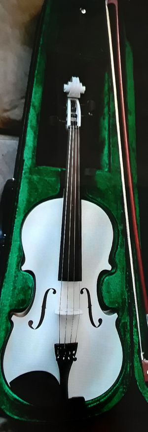 Brand new violin with case and bow for Sale in Mount Juliet, TN