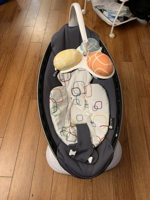 4moms mamaroo 4 with Bluetooth for Sale in Ventura, CA