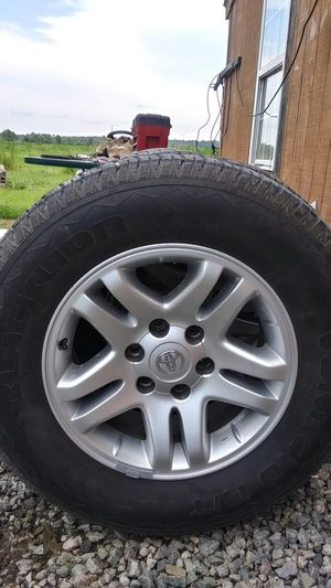 265 65 R17 Good tires and rims for Toyota Tacoma for Sale in Chesapeake, VA