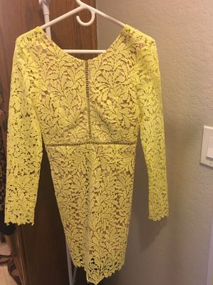 nice yellow dress size M for Sale in Downey, CA