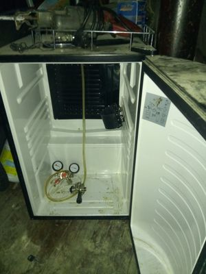 Beer keg and beer keg cooler for Sale in Cleveland, OH