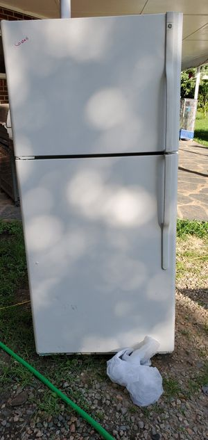 Fridge and stove and dishwasher for Sale in Cumberland, VA