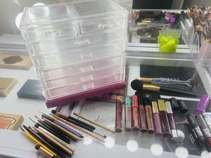 Clear Makeup storage / brushes / lipsticks for Sale in Dallas, TX