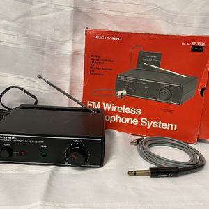 RadioShack FM Wireless Microphone System Model 32-1221A Receiver Box & Mic for Sale in Poway, CA