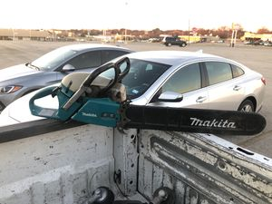 Makita chainsaw for Sale in Fort Worth, TX