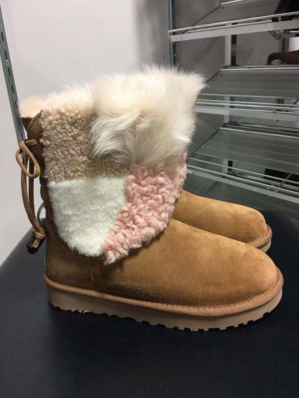 Ugg Classic women short boots size 6