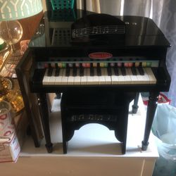 Melissa And Doug Kids Grand Piano for Sale in Gresham,  OR
