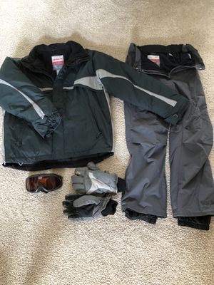 Men's Ski Jacket and Pants, Goggles, Gloves for Sale in Swatara, PA