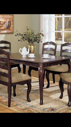 7 PC Dark Walnut Dinning Table for Sale in Fresno,  CA