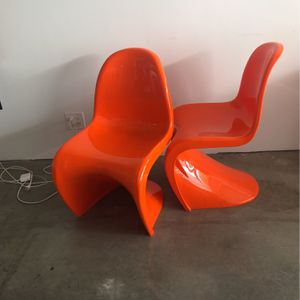 Set Of S Chairs Verner Pantone for Sale in Los Angeles, CA