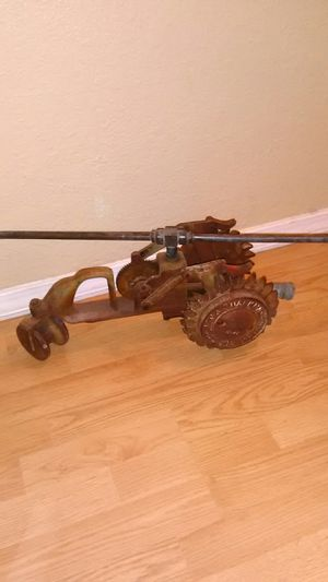 Vintage walking sprinkler lawn garden antique tractor yard art for Sale in Phoenix, AZ