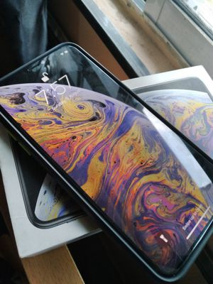 Iphone xs max for Sale in Colfax, IA