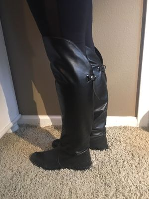Women's shoes size 8 1/2 for Sale in Sanger, CA