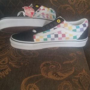 New tennis Vans For Girl Size 8 for Sale in Los Angeles, CA