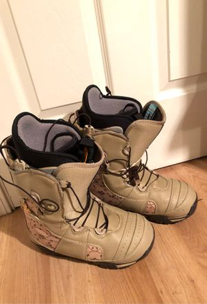 Burton Emerald Women's Size 7.5 Snowboard Boots, Tan for Sale in Milpitas, CA