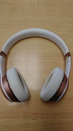Beats Solo Wireless - Rose Gold for Sale in Springfield, PA