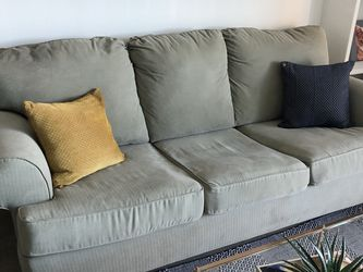 Light Green Couch With Pull Out Bed for Sale in Miami,  FL