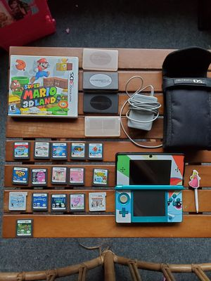 Nintendo 3ds with 17 games and more for Sale in Meriden, CT