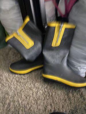 Rain boots size 9 for Sale in Miami, FL