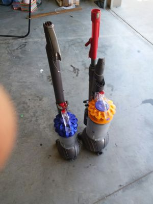 2 Dyson Vacuums (Not running). Selling for parts only for Sale in Lebanon, TN