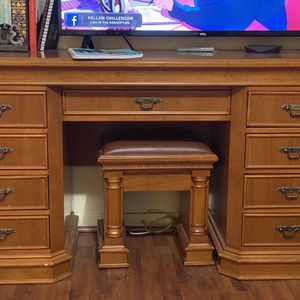 Dresser And Night Stand for Sale in Houston, TX