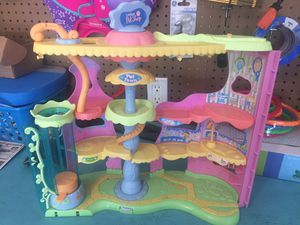 Toy lot for young girls- littlest pet shop, magnetic dolls, fingerling, pomsee, peppa pig car, little people school bus, critter clinic for Sale in Las Vegas, NV