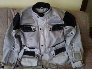 6 gear motorcycle jacket for Sale in Cleveland, OH
