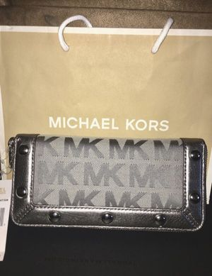 Authentic Michael Kors Wallet for Sale in Beaumont, CA