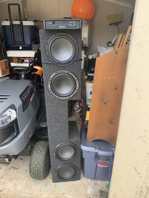 99-06 Silverado/Sierra Ext subwoofer enclosure with subs and amp for Sale in Aurora, IL