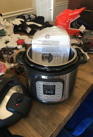 Instant pot large new never used payed 160 for Sale in Corona, CA